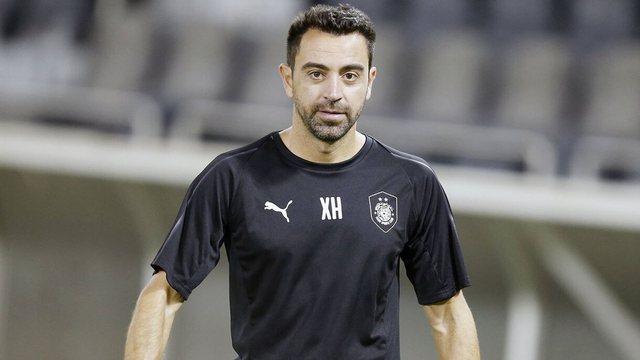 Xavi shtyn rikthimin te Barcelona, rinovon kontratën me klubin në
