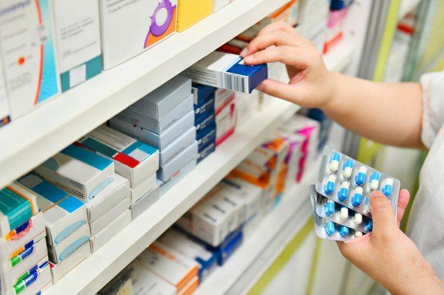 Infektohet anëtari i 'Urdhrit të Farmacistëve': Mbyllen
