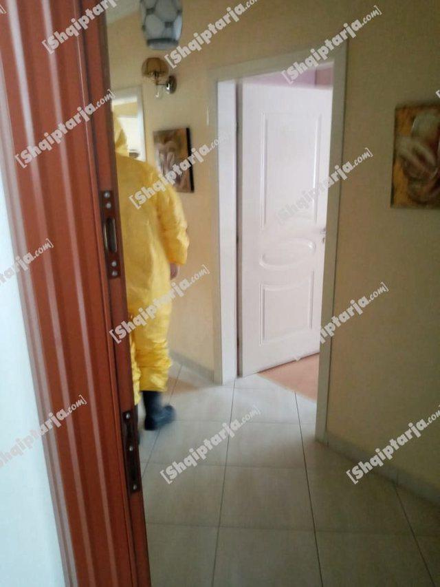 Foto/ Brenda shtëpisë ku u vetëflijuan nënë e