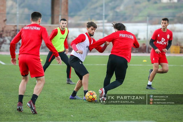 Infektohen dy lojtarë të Partizanit