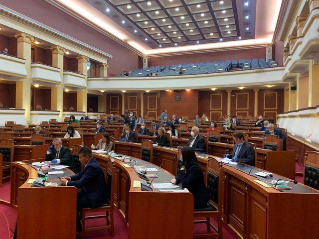 Opozita bojkoton Kuvendin! Balla: Këta bëjnë presion duke ikur,