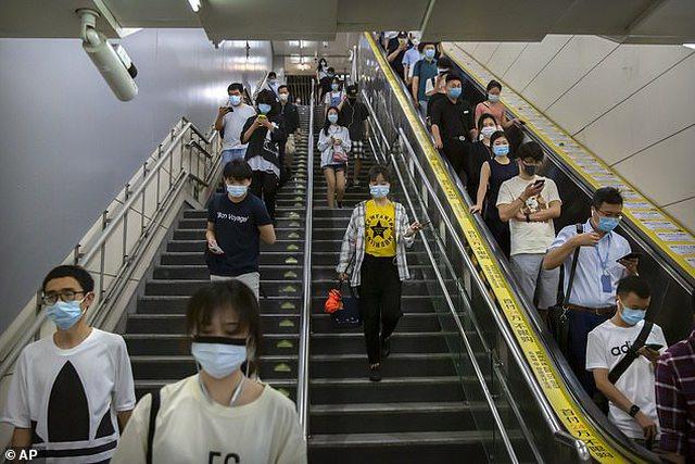 Doktori kryesor i Kinës: Pandemia e koronavirusit tek ne mbaroi, vaksina