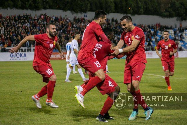 Pas rasteve pozitive tek Partizani, FSHF merr vendimin për ndeshjen e sotme