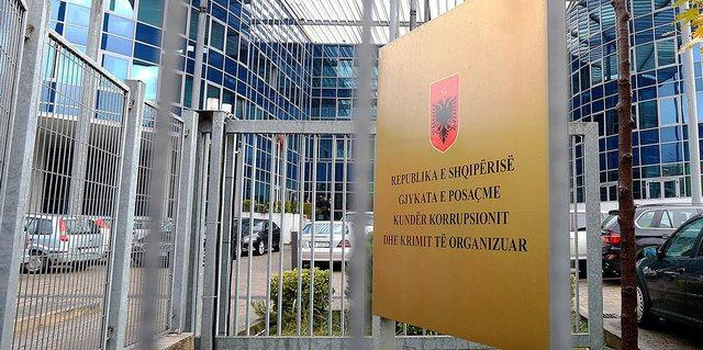 Virusi futet tek Gjykata e Posaçme: Merret vendimi për mbylljen