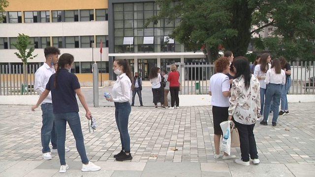 Publikohen datat e provimeve për maturantët mbetës
