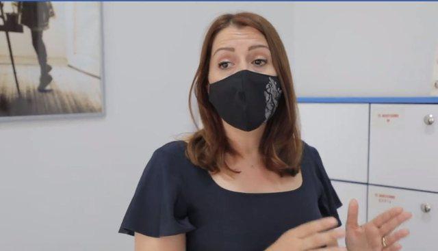 Maska bëhet me detyrim në Shqipëri: Gjobitet kush nuk e vendos