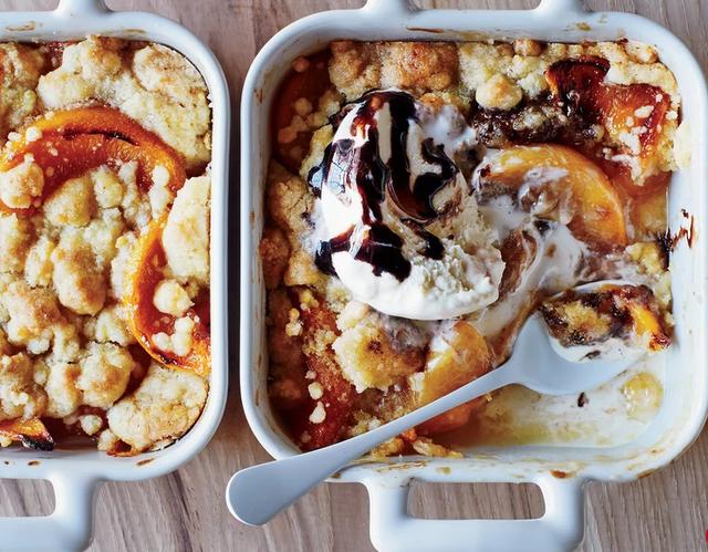 Si ta përgatisësh vetë një kek me akullore?