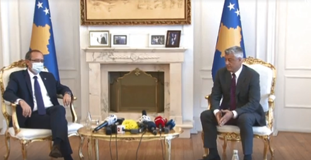 Thaçi në takim me Hotin: Në dialog me Serbinë të