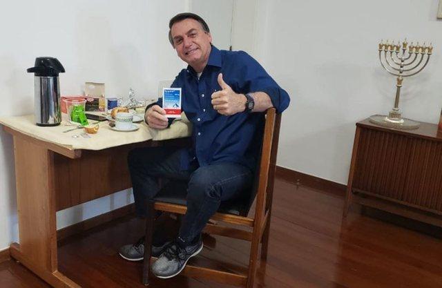 Presidenti i Brazilit ia hodhi virusit