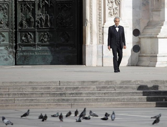 Andrea Bocelli: Ndihem i poshtëruar nga masat e bllokimit. Mosha ime ka
