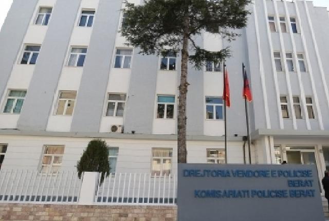 E infektuara me koronavirus shëtiste nëpër Berat, policia gjobit