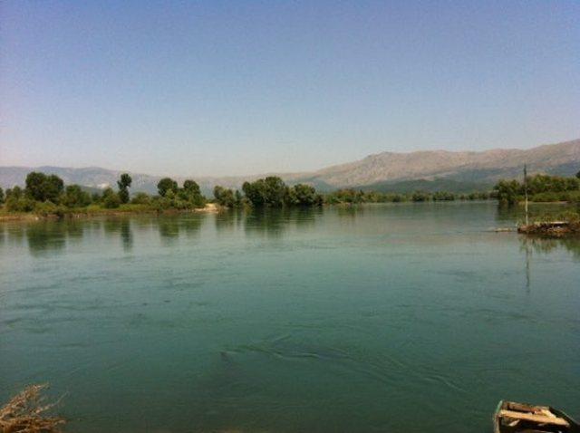 Dy të mbytur në lumin e Bunës