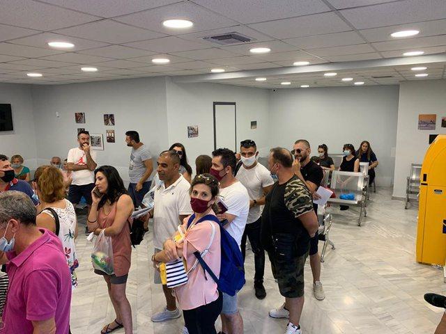 Ambasada shqiptare në Athinë mesazh emigrantëve shqiptarë: