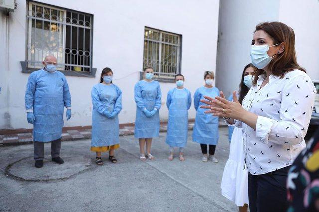 Po infektoni prindërit dhe gjyshërit! Ministrja Manastirliu mesazh