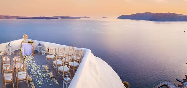 Bënë dasmë me 150 të ftuar në Greqi, mbi 20
