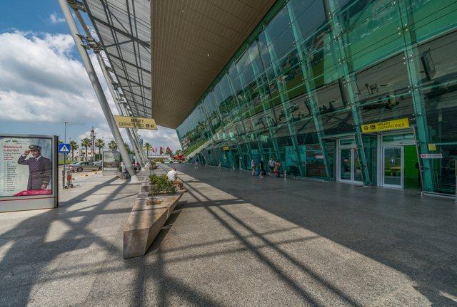Shqiptari vjen nga Londra në Rinas me 42 mijë paund cash të