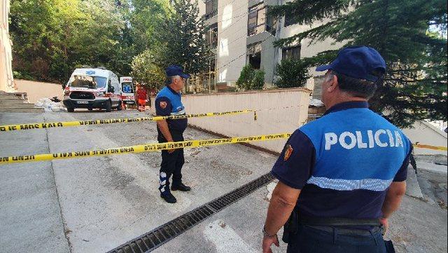 Bie nga pallati në Tiranë punëtori 55 vjeç