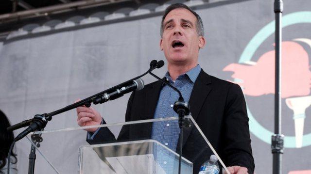 Kryebashkiaku i Los Angeles ka gjetur zgjidhjen si të mos bëhen party