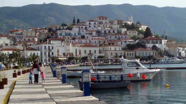 Izolohet për 10 ditë ishulli i njohur grek: Të gjitha ata që