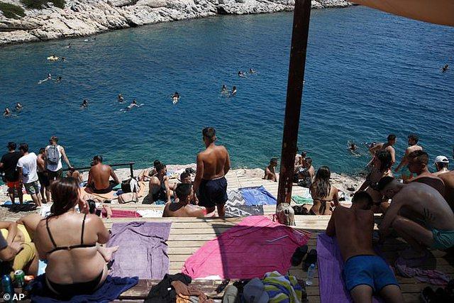 Ishujt Mikonos, Santorini e Korfuzi çdo natë do hyjnë në
