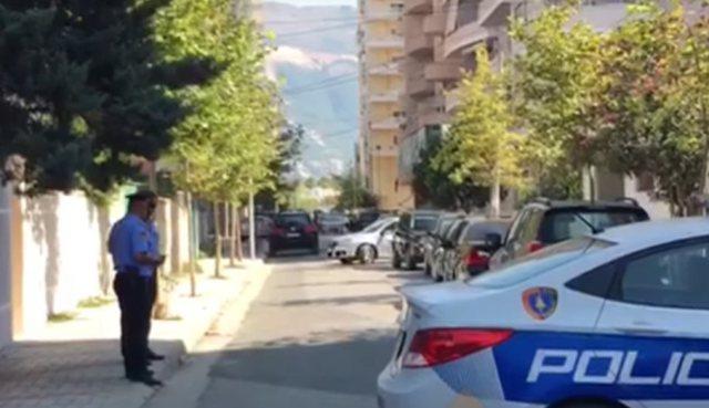Sherr me armë mes të rinjve në Vlorë