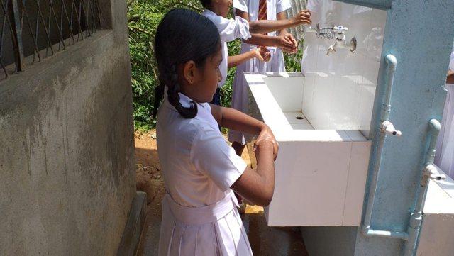 2 në 5 shkolla në botë nuk ofronin kushte për larjen e