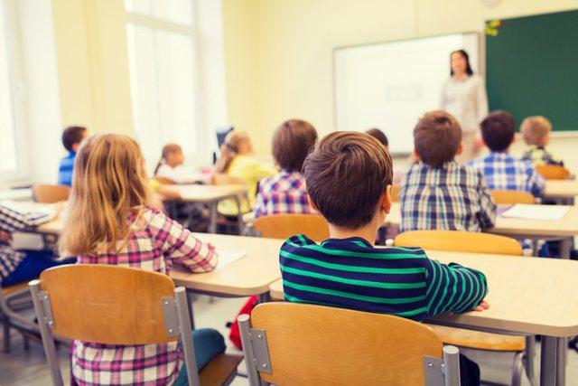 Çfarë do ndodhë në Shqipëri me shkollat? Mendimin