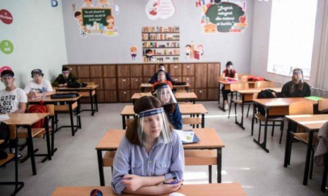 Letra e një maturanti për Tiranapost që ka një ide se si
