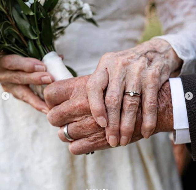 60 vjet në dollap! Historia frymëzuese e çiftit që festoi