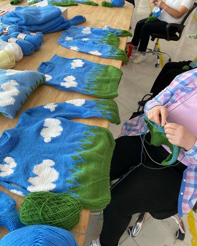 Me trikot me shtiza që i bëjnë gratë, stilistja shqiptare po