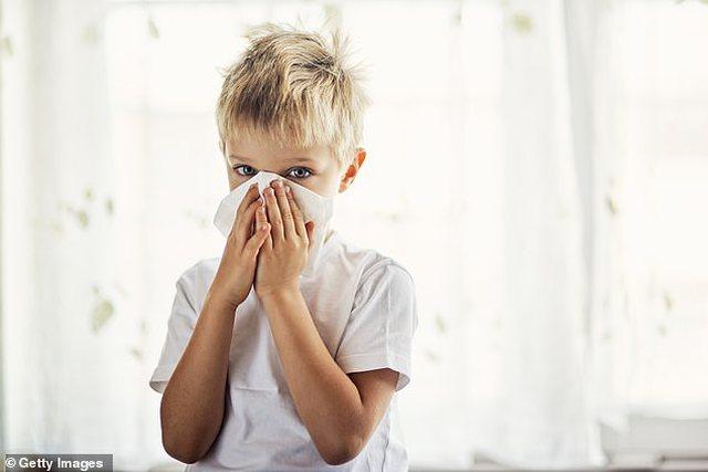 Nëse fëmija yt ka këtë simptomë NUK është