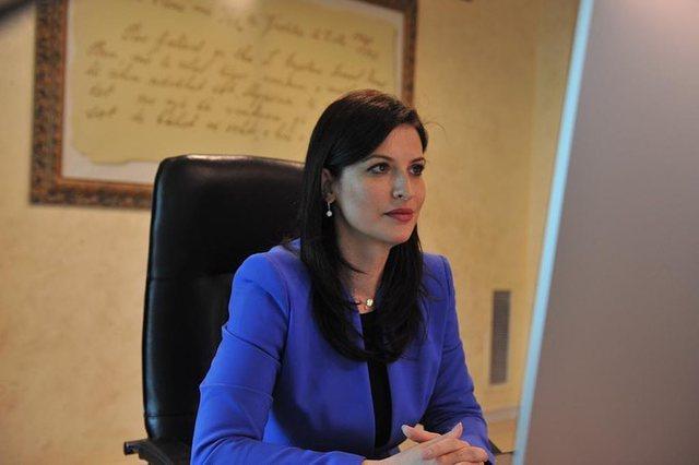 Ministrja Gjonaj kërkesë Kuvendit për të ndryshuar një