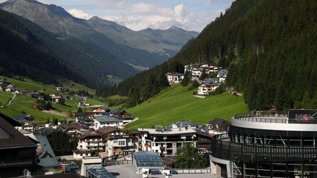 Paditet qeveria austriake për shpërthimin e virusit në