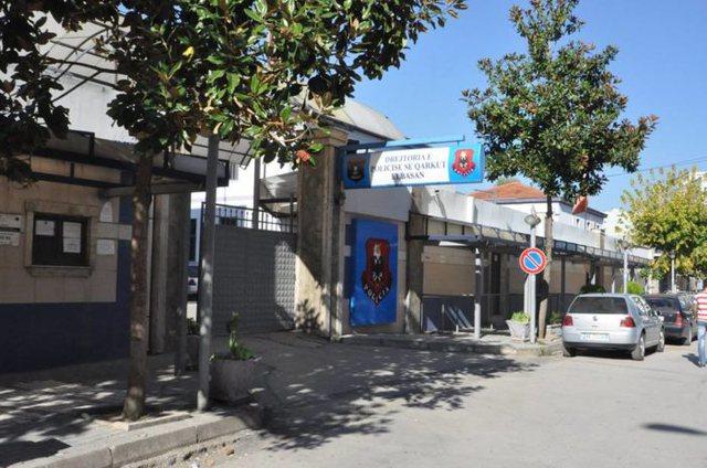 Qëllohet me armë drejt policisë në Elbasan, plagosen dy