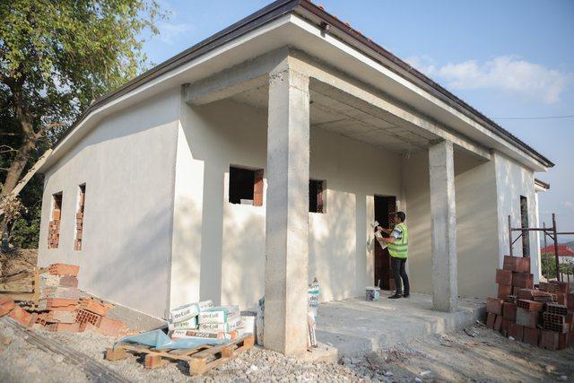 Rindërtohen dy shtëpi në Kashar, Veliaj: Çdo njeri me