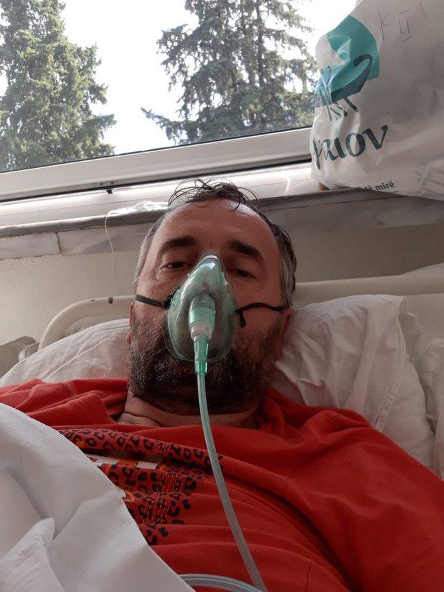 Pacienti me Covid poston foton nga brenda spitalit: Jeta dhe vdekja