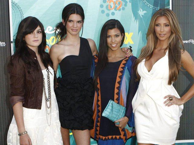 Foto/ Një 'throwback' i Kim acaron Kylie Jenner: I kërkon