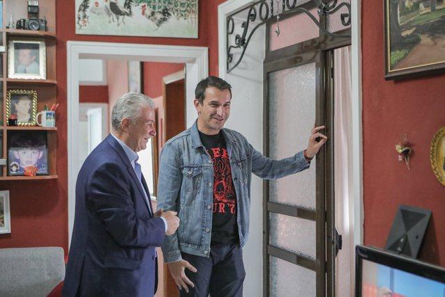 Kryebashkiaku në shtëpinë e Dhimitër Gjokës që u