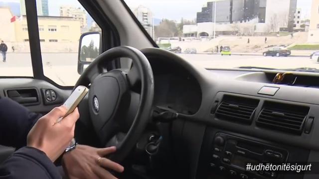 Rriten gjobat për shoferët që kapen me celular, ja masat e reja