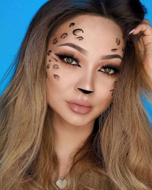 Idetë për makijazh këtë Halloween që shkojnë po