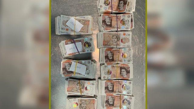 Një grua britanike kapet me 21 mijë paund cash në Rinas, të