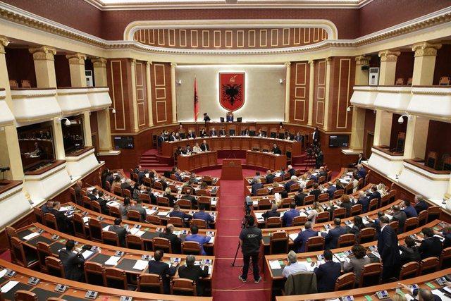 Kuvendi rrëzon dekretin e presidentit për Kodin Zgjedhor