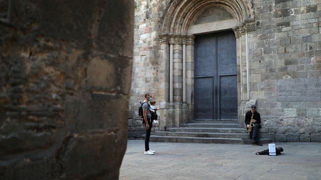 Katalonja mbyll kufijtë: Askush s'mund të hyjë apo të