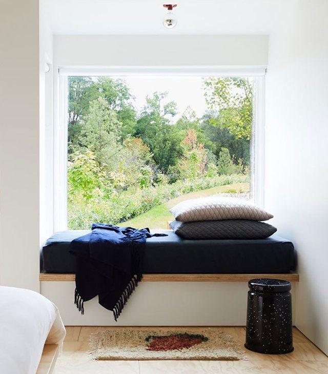 7 ide për ta shndërruar dritaren në këndin e preferuar