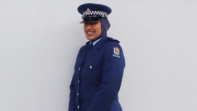 Policia e Zelandës së Re fut hixhabin në uniformën zyrtare