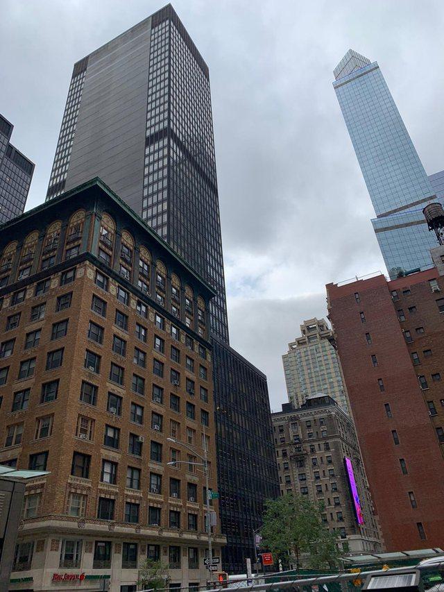 Dy fjalë për New York-un qytetin e amerikanëve të veshur