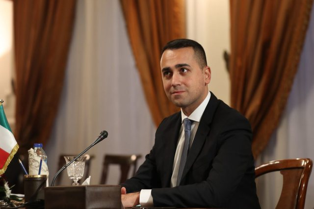 What are the difficulties of Italian businesses in Albania and Minister Di