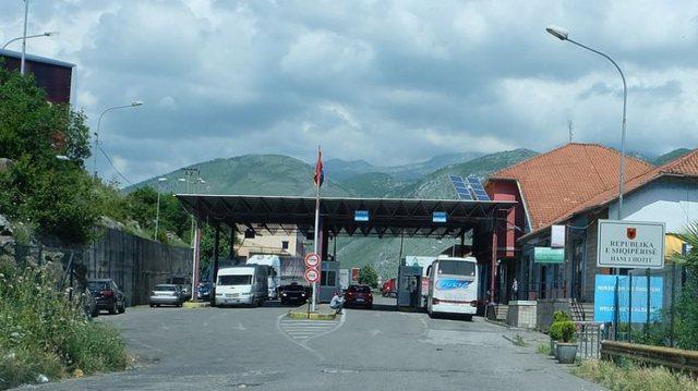 Mali i Zi me orë policore nga sot. Mënyrat si të kalojnë