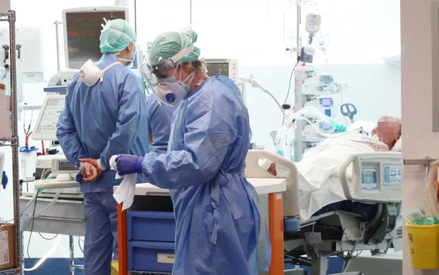 Rritet numri i vdekjeve nga Covid në Itali, raportohen 29 mijë raste
