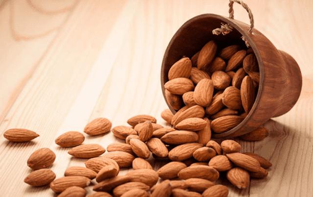 Çfarë i ndodh trupit tuaj nëse hani çdo ditë bajame